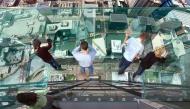 """Bộ ảnh: Trải nghiệm """"vừa sợ vừa sướng"""" trên đường đi bằng kính khắp thế giới"""