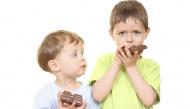 Phản ứng của trẻ con khi bị bố mẹ ăn hết kẹo