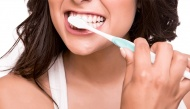 Lười đánh răng hằng ngày không chỉ gây sâu răng mà còn tăng nguy cơ ung thư