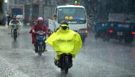 7 nguyên tắc đảm bảo an toàn khi ra đường ngày mưa bão ai cũng cần phải biết