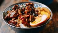 """Tự làm món thịt om trứng nổi tiếng xứ Đài nhìn là """"chảy nước dãi"""""""