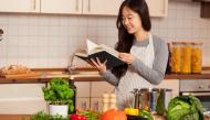 Những kinh nghiệm vào bếp giúp bạn gái ghi điểm trong mắt mẹ chồng tương lai