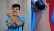 """Xúc động dòng chữ nhỏ xăm trên cổ tay của """"chân sút vàng"""" Quang Hải"""