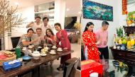 Khoảnh khắc sao Việt giản dị đón Tết cùng gia đình khiến fan ấm lòng