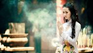 Ý nghĩa của nghi thức dâng hương và cách đặt bát hương trên bàn thờ ngày Tết