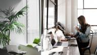 Cách sắp xếp bàn làm việc để sự nghiệp luôn thuận buồm xuôi gió trong năm mới