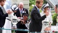 """Khi thấy """"trai lạ"""" hôn vợ Meghan, Hoàng tử Harry có biểu cảm không ngờ"""