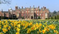 Những cung điện, lâu đài nổi tiếng thuộc sở hữu của Hoàng gia Anh mà không phải ai cũng biết