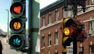Tổng hợp những kiểu đèn báo giao thông thú vị nhất quả đất khiến ai cũng phải ngoái nhìn