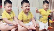 """Cười vỡ bụng clip bé trai làm theo lời """"bà kẹ"""" là chị Google đáng yêu hết nấc hút triệu lượt xem"""