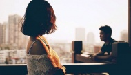 Chàng trai Hà thành nghe lời mẹ chia tay bạn gái vì lí do... không biết chặt gà gây tranh cãi CĐM