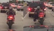Hotgirl 1m52 cưỡi môtô thực hiện hành động này khi dừng đèn đỏ khiến dân mạng cười nghiêng ngả