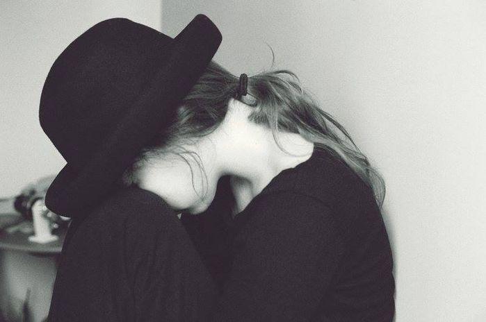 3 kiểu suy nghĩ khiến bạn trở thành người đau khổ trong tình yêu