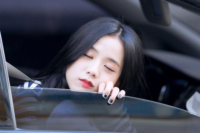 bestie khoanh khac idol kpop nham mat 4