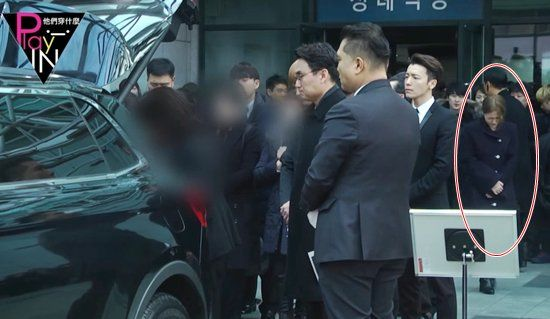 bestie Yeri bị chi trich vo ly trong tang le Jonghyun