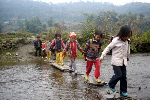 Những con đường đến trường gian khổ và ớn lạnh nhất thế giới