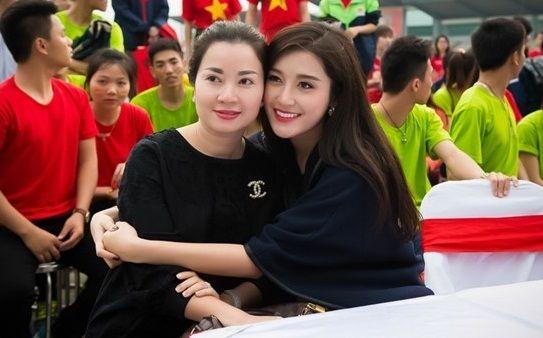 Những cặp đôi mẹ con nhà sao Việt chuẩn