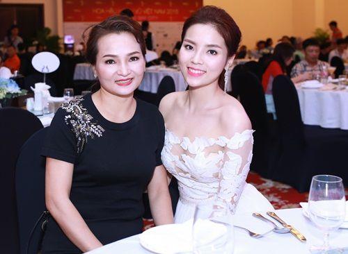 Bestie - Nhung ba me Viet luon la hau phuong vung chac cho con giua tam bao scandal