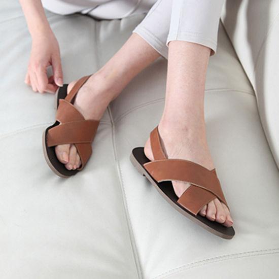 Bestie - Nhung kieu sandals vua hop mot laại vua thoang chan giup ban thoai mai dien he