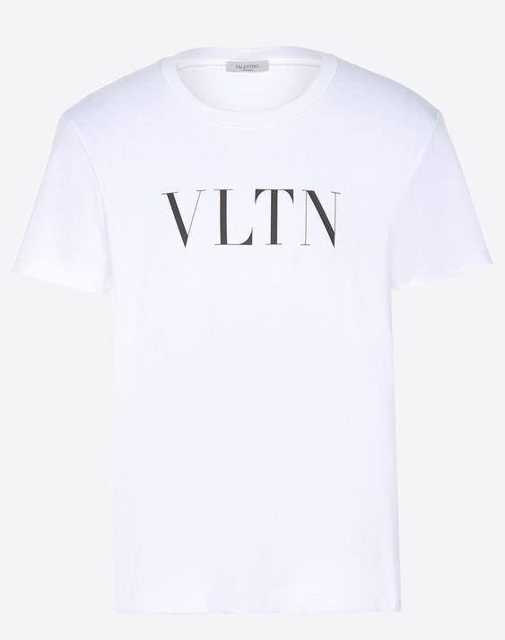 Chiếc áo phông đơn giản nhưng khiến hàng loạt sao phải đua nhau diện