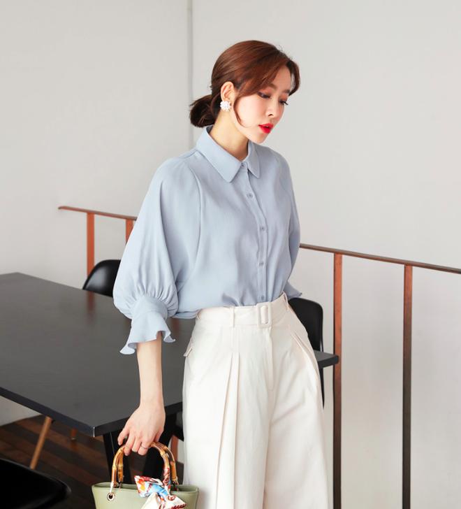 Sắm ngay những kiểu áo đơn giản đạt chuẩn ĐẸP - SANG như Thư ký Kim