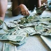 Nhặt được tiền