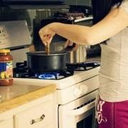 Ở nhà nấu nướng