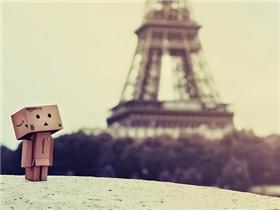 Sau cơn ác mộng, cả thế giới vẫn yêu và mơ giấc mơ Paris