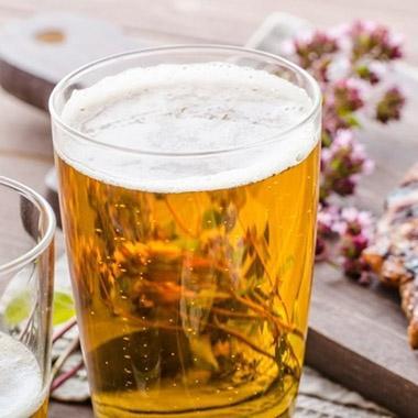 Bia ngoài để uống ra thì còn làm được cả tỉ việc khác
