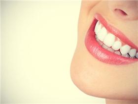 Làm trắng răng từ thiên nhiên, có phải lúc nào cũng an toàn?