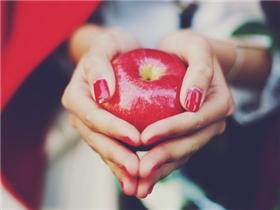 Đọc và suy ngẫm: Vì sao tay con gái lại... mềm?