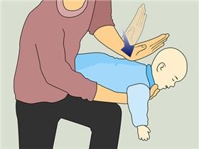 Cách xử lý khi trẻ bị hóc thạch, hạt hướng dương ngày Tết