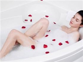 Những thói quen sai lầm khi tắm làm da trở nên khô và kém mịn màng