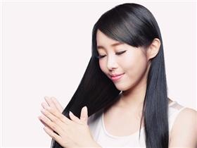 5 thói quen giúp suối tóc luôn bồng bềnh mà không hề tốn kém