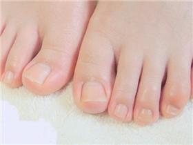 """4 bước đơn giản giúp bạn sở hữu bàn chân """"vạn người mê"""""""