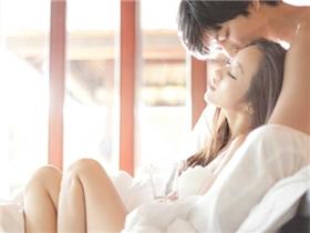 """Những tác hại không thể phớt lờ khi """"làm chuyện yêu"""" quá sớm"""