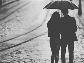 Yêu nhau ở Sài Gòn, ta cần nhiều hơn một tình yêu!