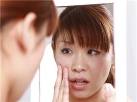 """6 dấu hiệu cho thấy da bạn đang lên tiếng """"cầu cứu"""""""