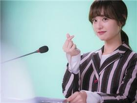 Những mẹo giúp bạn xinh xắn đáng yêu như cô gái nhà bên Kim Ji Won