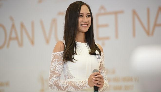 """Lộ diện thí sinh có chiều cao """"khủng"""" nhất lịch sử Hoa hậu Hoàn vũ Việt Nam 2017"""