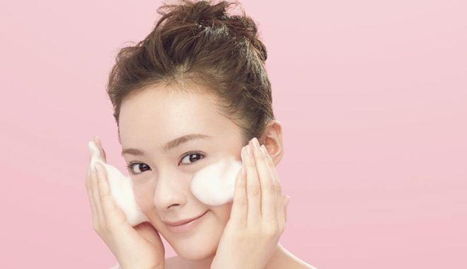 8 bước giúp bạn rửa mặt đúng chuẩn mỗi sáng để làn da luôn tươi trẻ