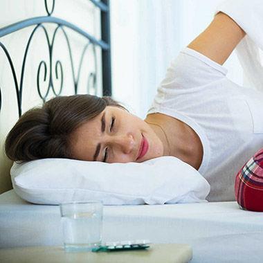 """11 cách để thoải mái đi chơi mà không bị cơn đau ngày """"đèn đỏ"""" làm phiền"""