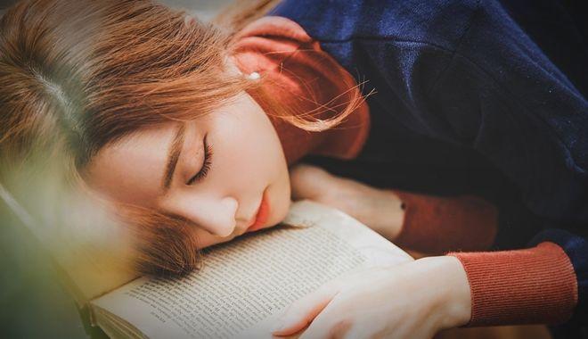 Buồn ngủ liên miên từ sáng tới tối là dấu hiệu cho thấy cơ thể đang mắc bệnh nguy hiểm