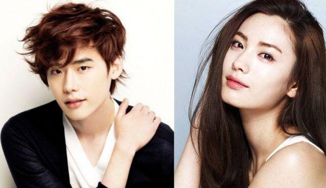 """Những cặp idol """"khác cha khác mẹ"""" nhưng giống nhau tới ngỡ ngàng trong showbiz Hàn"""