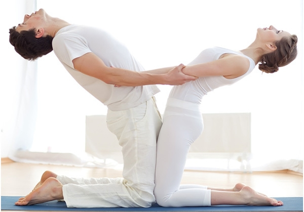 Bestie yoga couple 7