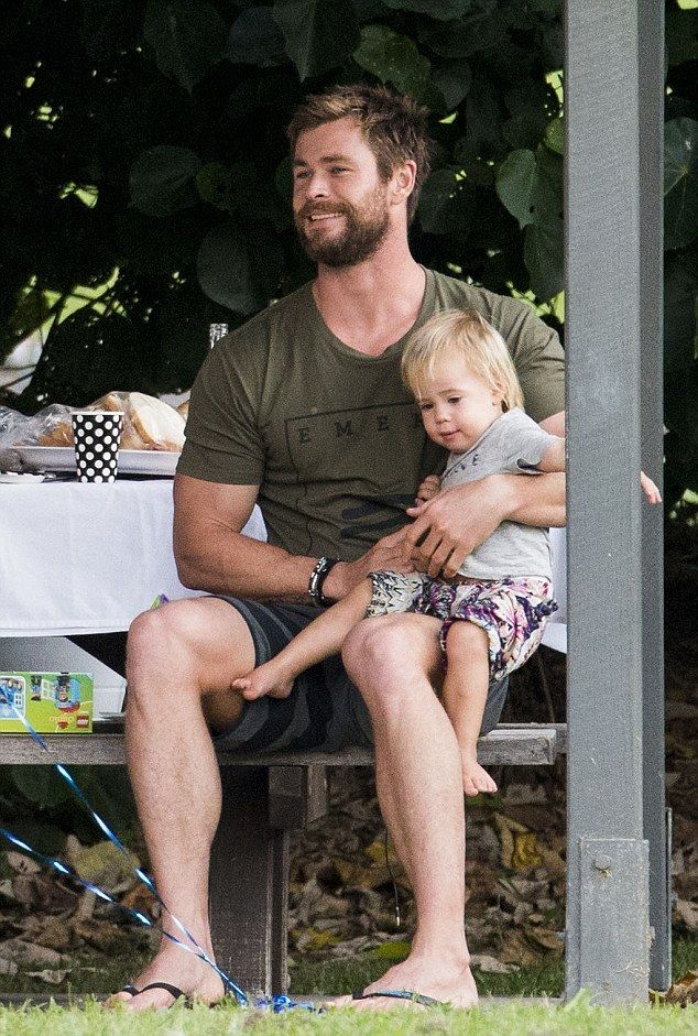 bestie chris hemsworth