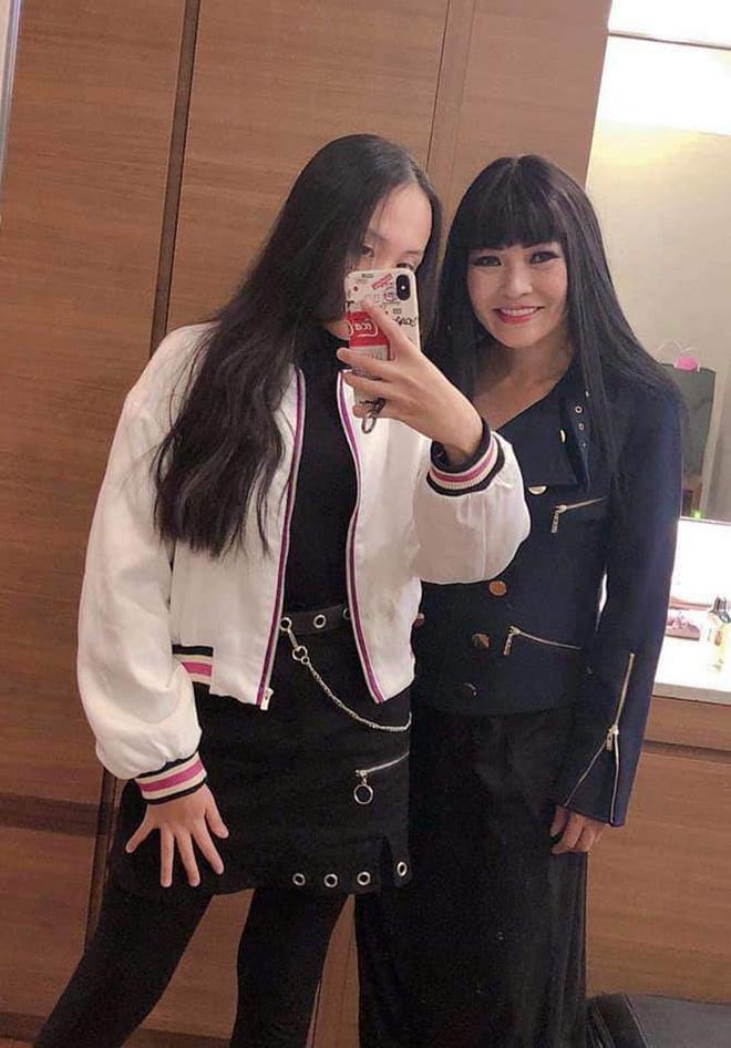 Những bà mẹ giấu con giỏi nhất showbiz Việt