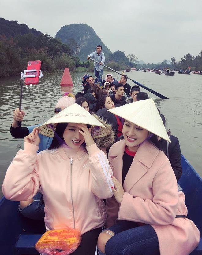 Dàn chị gái xinh đẹo bất ngờ của sao Việt