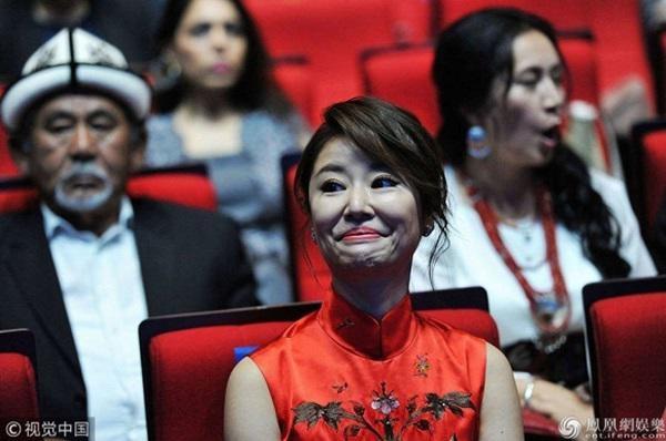 Song Hye Kyo, Dương Mịch, Lâm Tâm Như: 3 bóng hồng đối đáp khôn khéo