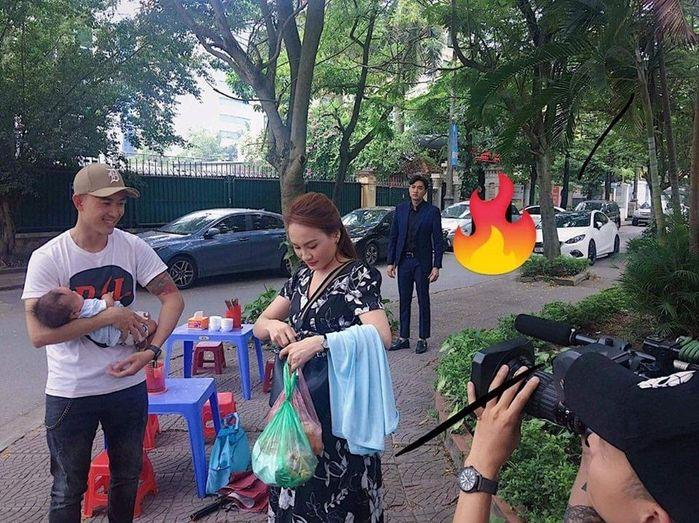 Lộ diện em bé nhà Thư - Vũ, fan lo Về Nhà Đi Con sắp ngập trời drama